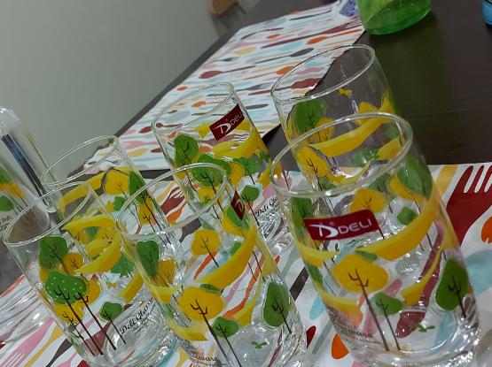 Jug set with 6 glasses