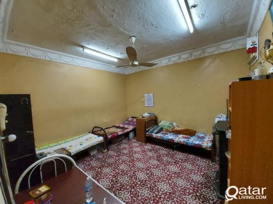 5 Bedrooms Bachelors Accomodation in Bin Omran near KFC and Al Meera Yarmouk