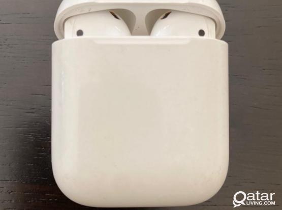 Apple AirPods - 1st Gen