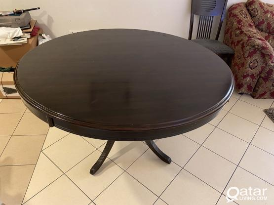 Wooden Round Dining Table (135cm circumference)