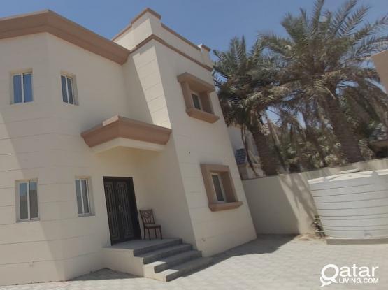 For rent luxury brand new 6-Bedrooms villas Al wakra