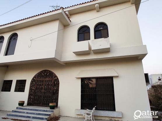 Very Nice Very Spacious 5 Bedrooms + Outhouse Standalone Villa for Family in New Salata