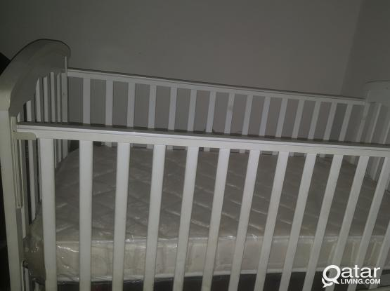 سرير طفل  لم يستعمل بحاله جديده للبيع ---Not used-Baby Cot bed as new for sale