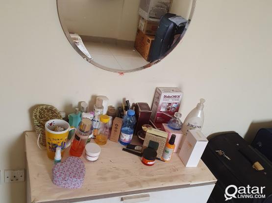Chestnut Drawer Nd Mirror