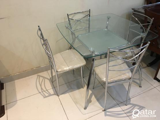 For Sale Glass Dining Table With 4 chair