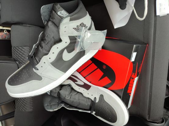 Air Jordan 1 US10 size. Shadow 2.0 and University