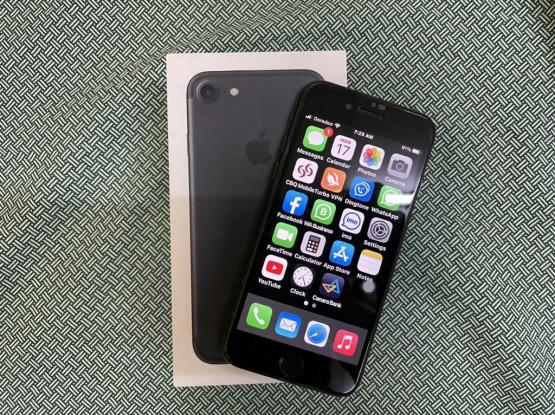 Iphone 7 Black 256gb in very good condition