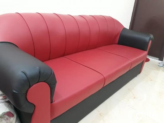 3 Seater sofa- 6 months rarely used, like New URGENT sale