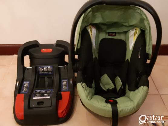 Britax B-Safe 35 Infant Car Seat with Base (Made in USA) - New