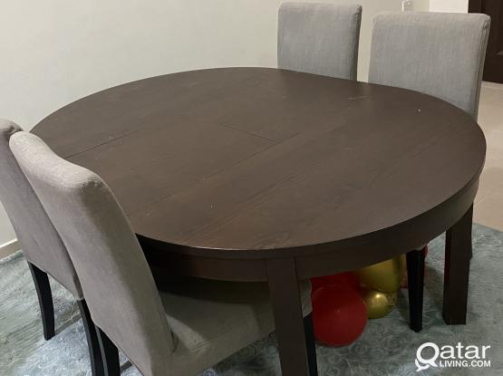 Ikea dining table+4chairs