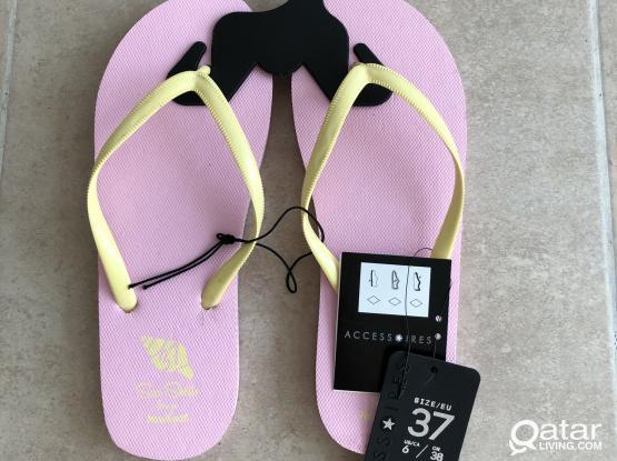 Women's flip flops size 37