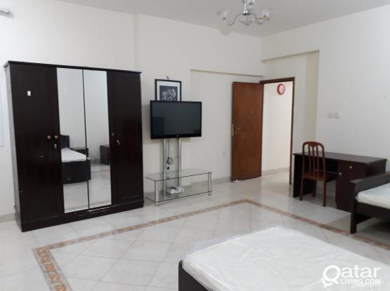 Big Furnished Room w/ Own Bathroom,Le-mirage Aprt. Mansoura(Good for Single or 2 Asian Bachelors only)