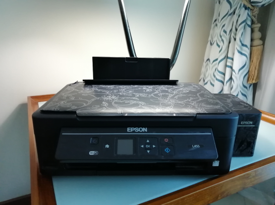 Epson wifi & scanner printer in perfect condition.