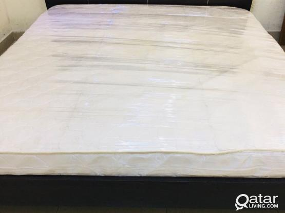 For sell king size bed 210x180cm