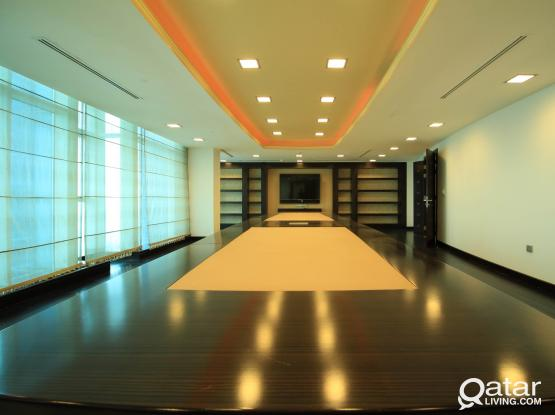 750 Sqm Executive Office at 36th Floor West Bay