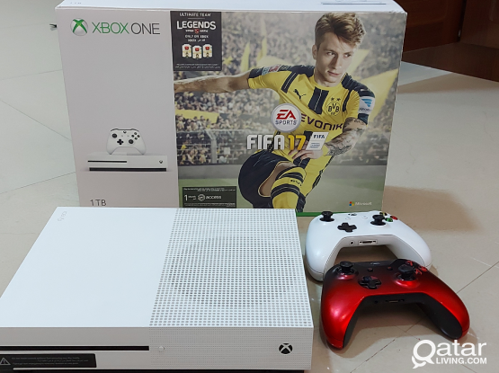 XBOX ONE S 1TB WITH 2 CONTROLLERS