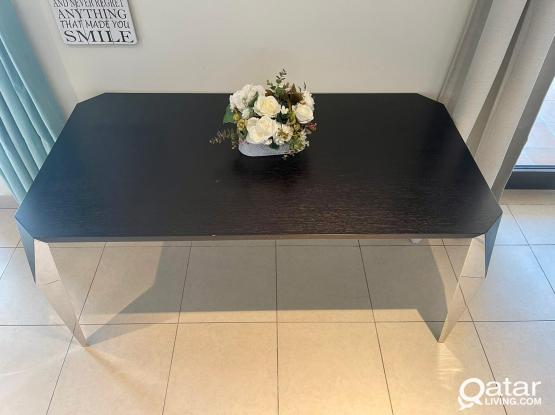 THE ONE Table