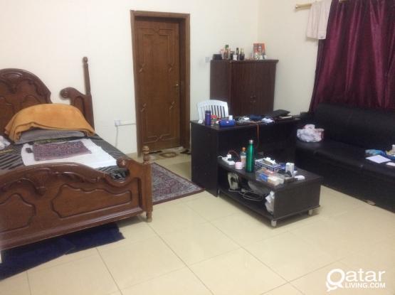 Unfurnished Huge One Bedroom GF Flat At Hilal