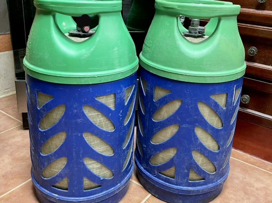 2 gas cylinder for sale with delivery 77556560