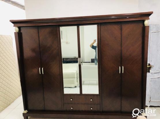6 door cupboard for sale. Parfect condition