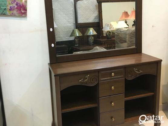 Console table with mirror from home canter