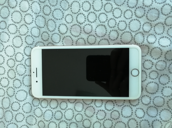 IPhone 7 plus gold 256gb mint condition