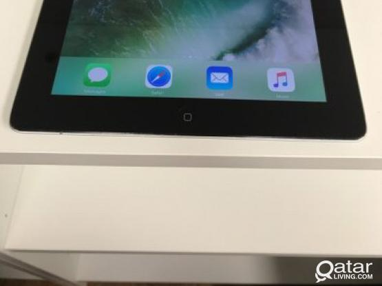 I Pad 2 White With Charger