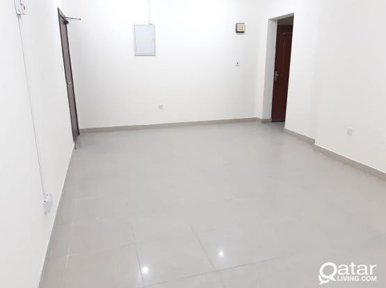 Very Spacious 4 BHK Apartment in Madinat Khalifa South