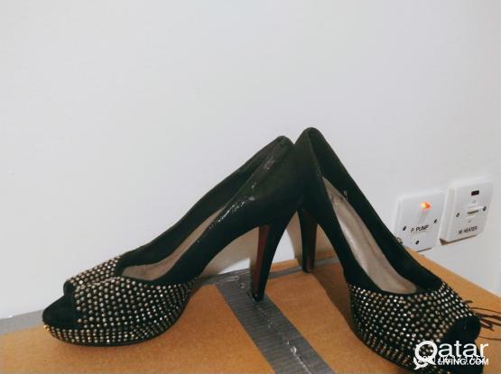 Size 36 black heels