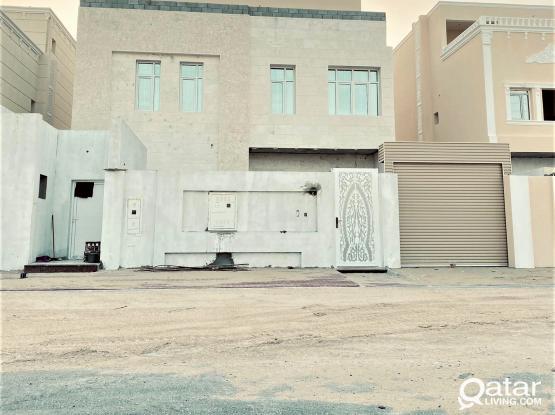 6BR Villa with Maid' & Driver's Room in Al Rayyan - فيلا للبيع في الناصرية
