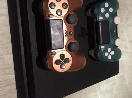Ps4 Slim 500GB With 2 Controller 2 Games