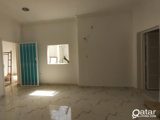 Brand new 2bhk indipentend frist floor villa portion, new salata, behind Turkish hospital