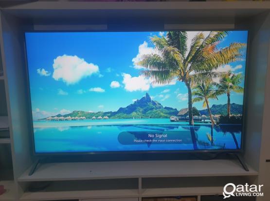 LG SMART UHD 4K 60 INCH TV LIKE NEW