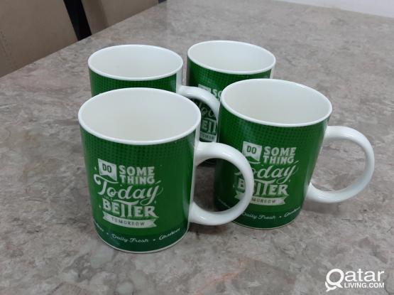 New mugs. 4 pcs. PRICE 25 QAR.
