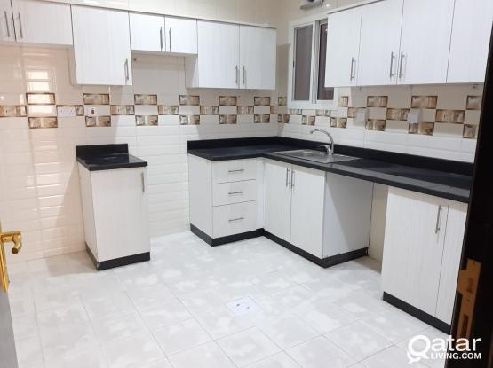 Spacious 2 BHK Apartment for Family near Lulu in OLD Airport
