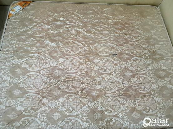 King size mattress (150x240 cms) in good condition