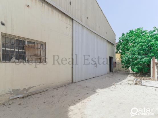 900 Sqm Warehouse With rooms In Industrial Area