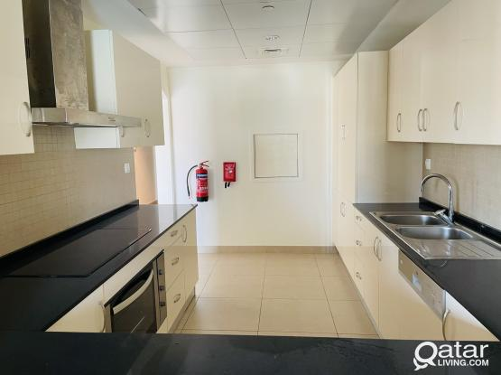 3bhk spacious Appartment in pearl Qatar with Sea View.