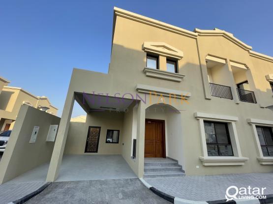 Brand New 5 BD Villa!! Great Location!!