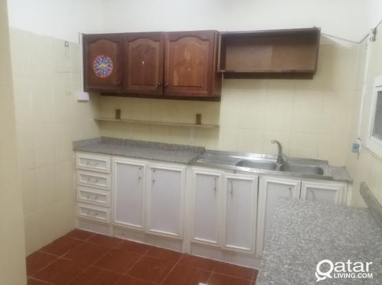 FAMILY 2 BHK   AVAILABLE  IN OLD AIRPORT