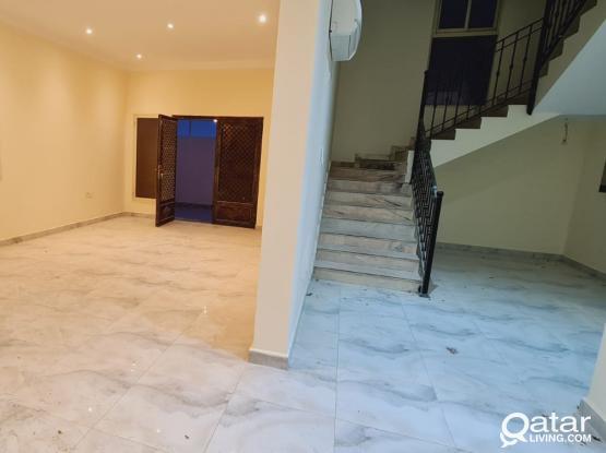 6 BR Villa in Al Thumama for QAR. 12000
