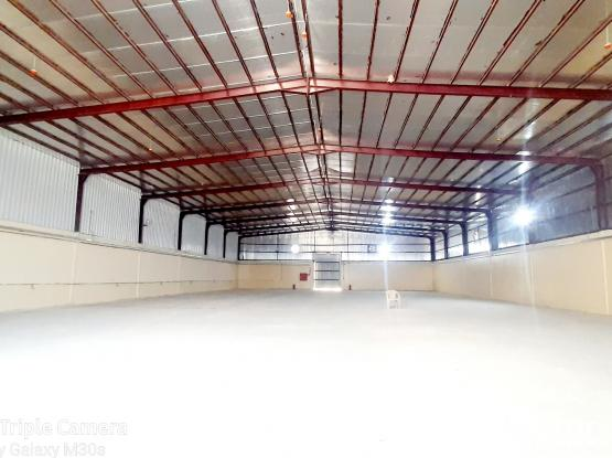 900 SQM STORE WITH 5 ROOMS