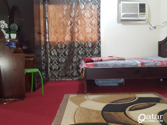 Asian Couple ROOM FOR RENT Behind qtel tower najma