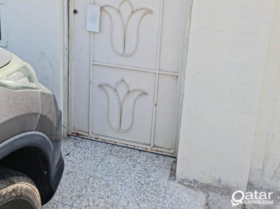 1 BHK Villa in Mamoura - No Commission