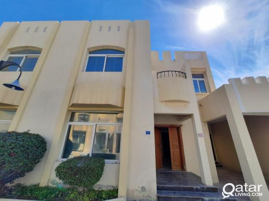 4 Bedroom Impressive and Convenience Family Home