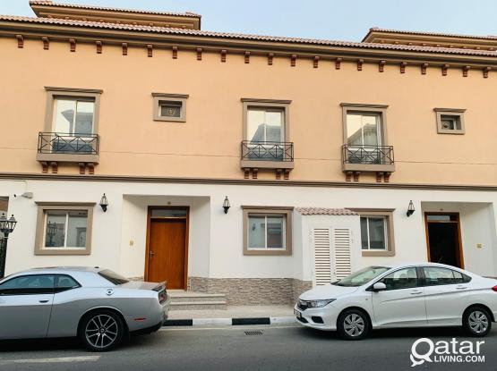 One month Free!! 6BR Villa for rent in Abu hamour