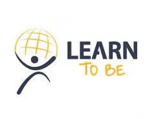 Maths and Science Tutor (Female) for all classes.
