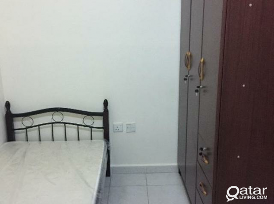 1 BED SPACE AVAILABLE IN MATAR NEAR TO FOOD PALACE