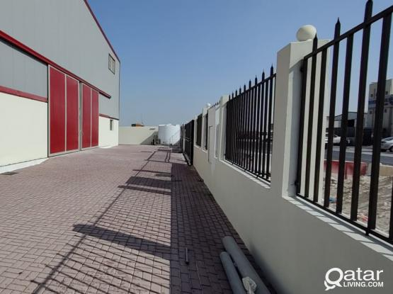1200 Store / Workshop with 12 Room For Rent
