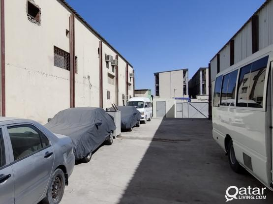 1300 Garage with 4 Room & 4 Office For Rent